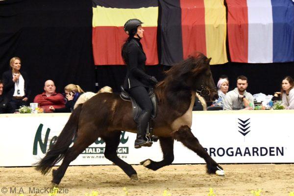 MCK2002 Garri show 220220