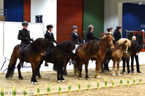MCK2166 Garri offspring show 220220 Honorary prize