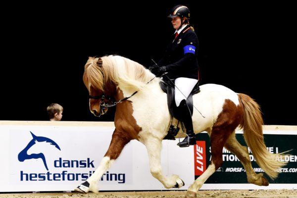 MCK2296 Vördur and Lisa V1 final 220220
