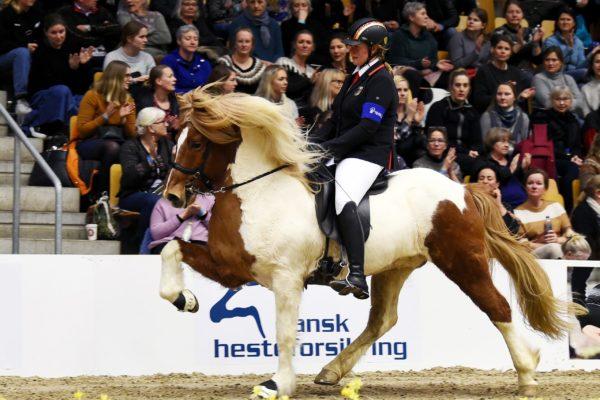 MCK2767 Vördur and Lisa V1 final 220220