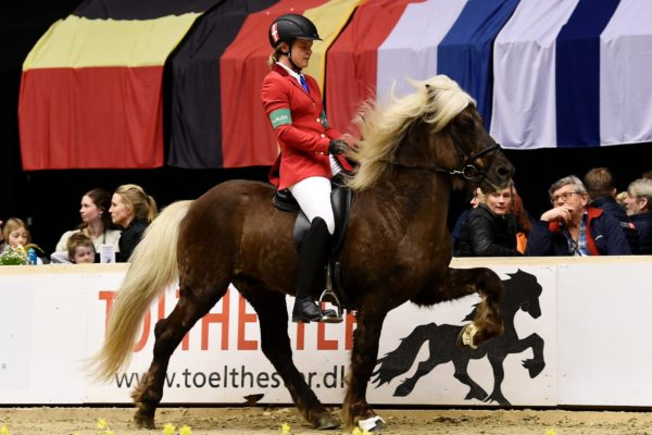 MCK7121 Silfurgeisli and Henriette T1 YM 220220